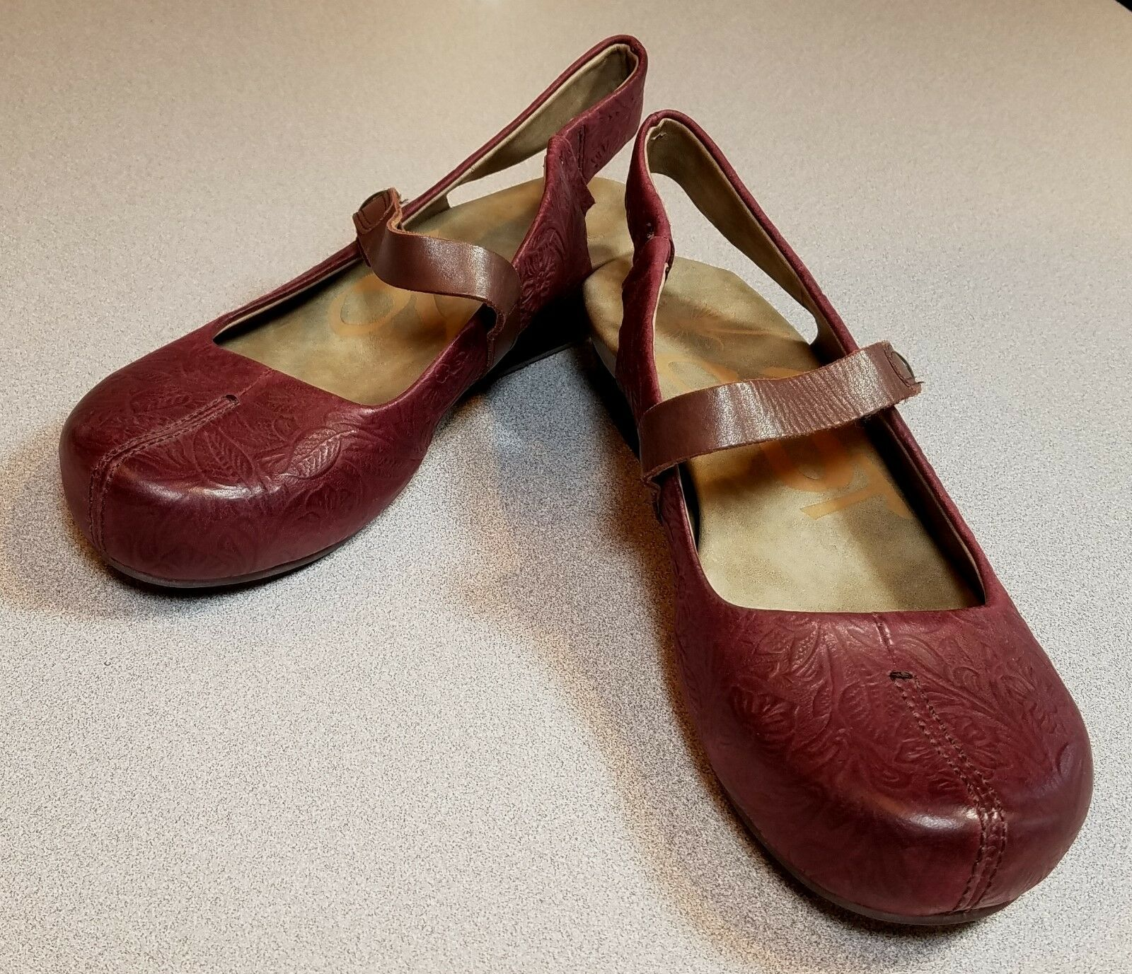 Wouomo OTBT SPRINGFIELD Burgey Leather Wedge Heel sautope Dimensione 7