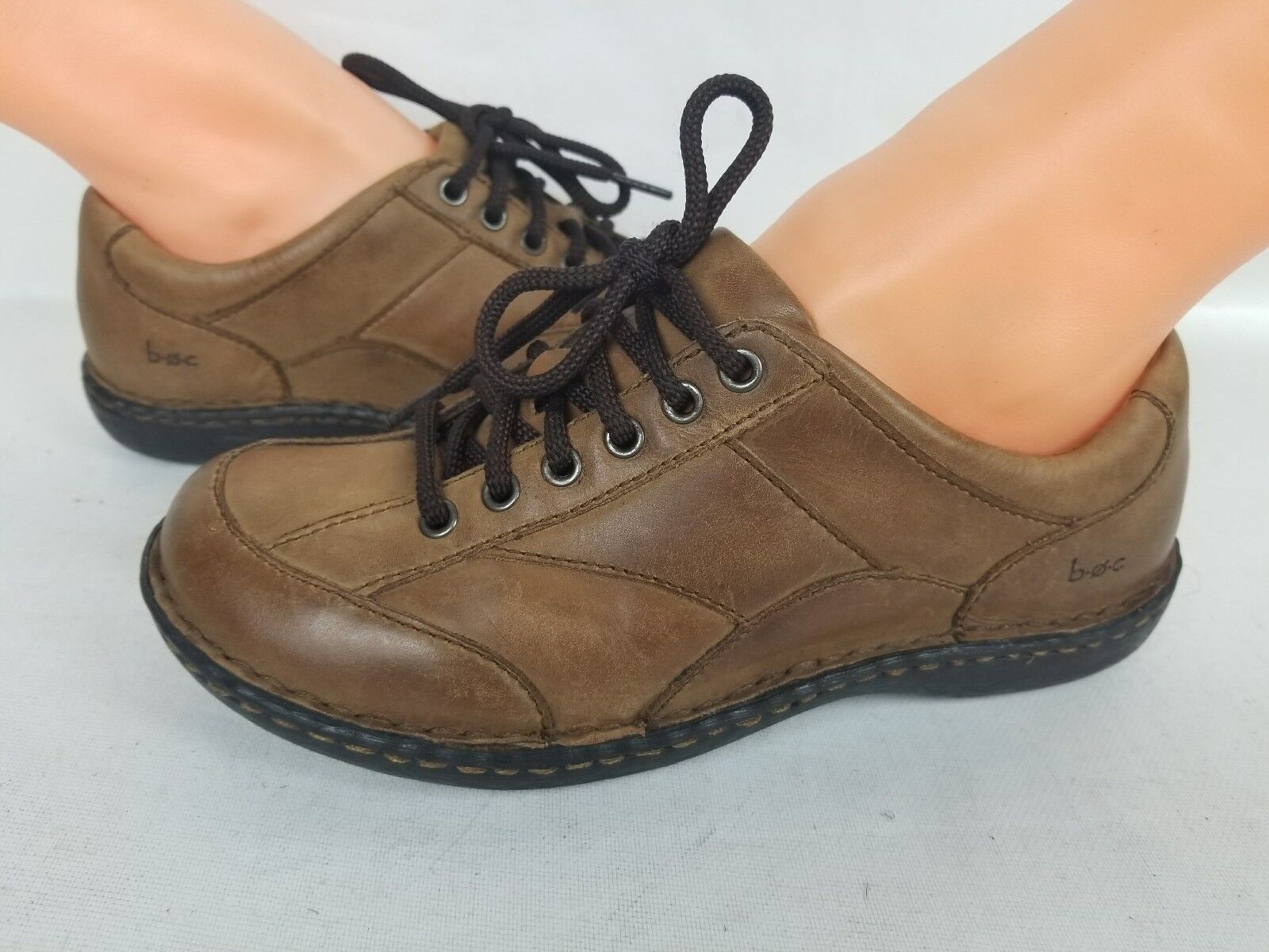 Born Comfort  Athletic Training Walking Sneakers Leather Woms shoes SZ 6.5