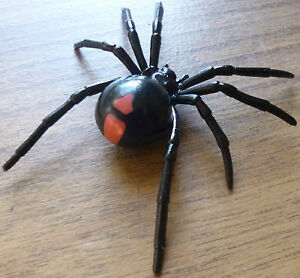 AUSTRALIAN-ANIMAL-SOUVENIR-GIFT-REDBACK-SPIDER-Small-Replica-approx-70mm-size