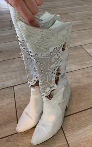 Vintage 80's white and silver western cowboy boots