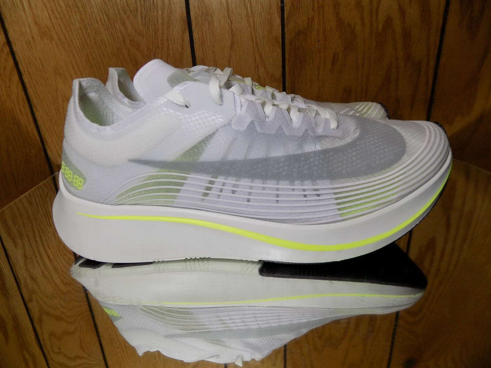 Nike Zoom Fly SP NikeLab BOSTON MARATHON CITY WHITE VOLT AJ9282-107 sz 9.5