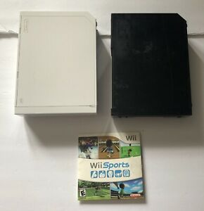 Lot-Of-2-BROKEN-Nintendo-Wii-Consoles-RVL-001-As-Is-For-Parts-Bonus-Wii-Sports