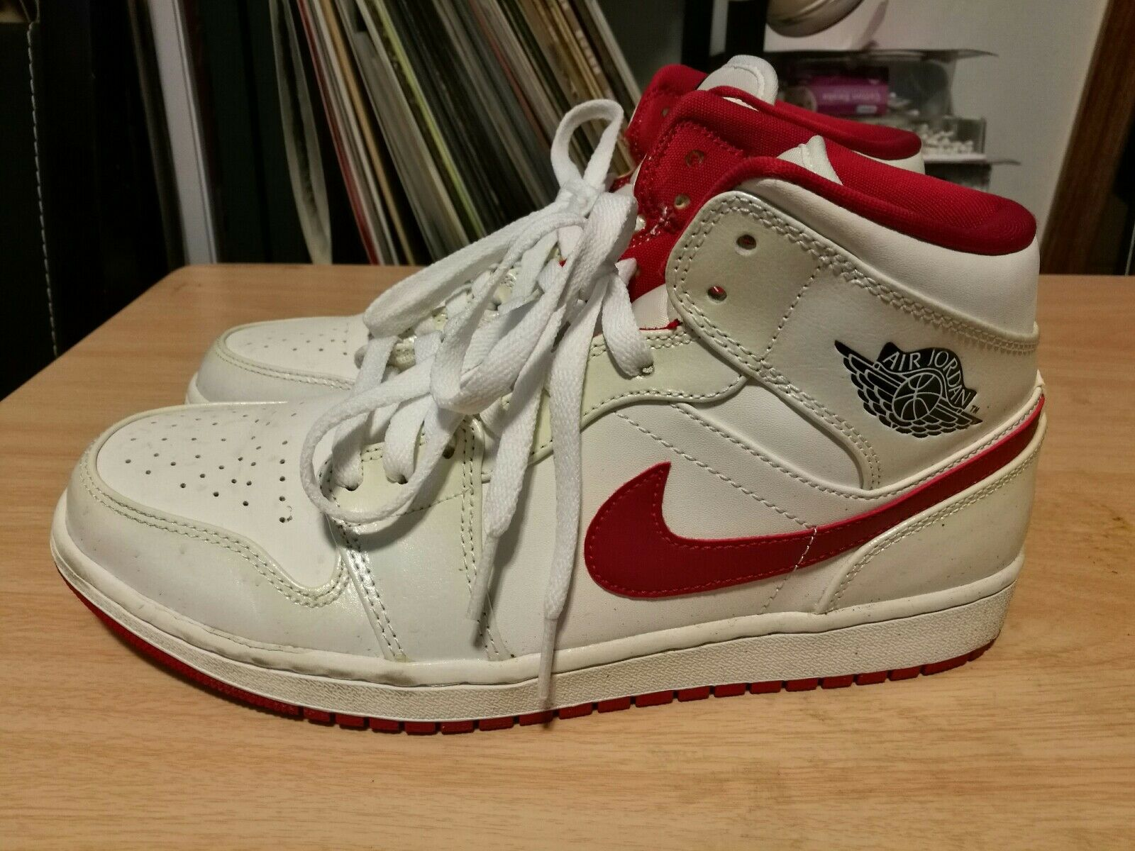 Jordan 1 white/ red size 9 The latest discount shoes for men and women