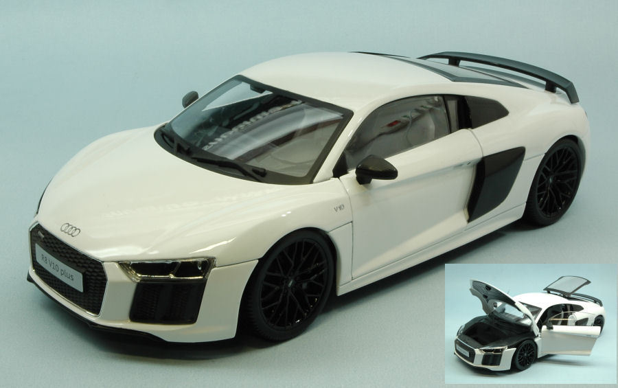 Audi R8 V10 Plus 2015 White Exclusive Series 1 18 Model MAISTO
