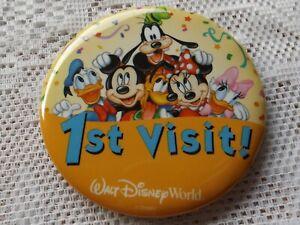 WALT-DISNEY-WORLD-1ST-VISIT-BUTTON-PIN-MICKEY-MOUSE-GOOFY-MINNIE-DONALD-PLUTO
