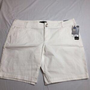 NEW Lee Womens Bermuda 16P Walking Shorts Stretch Mid Rise Pockets Petites White