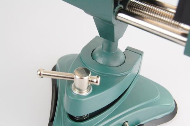 Schraubstock mit Saugfuß und Kugelgelenk frei schwenkbar für Werkstatt und Hobby