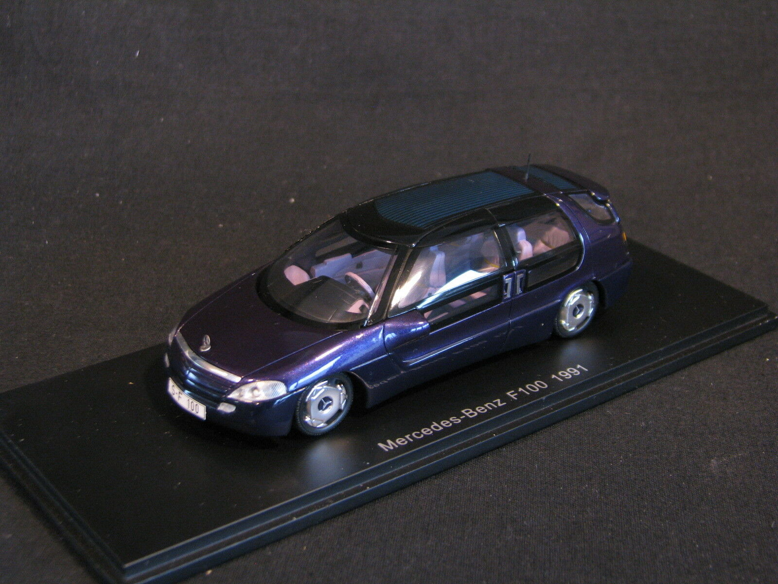 Spark Mercedes-Benz F100 1991 Concept Car 1 43 Metallic Purple (JS)