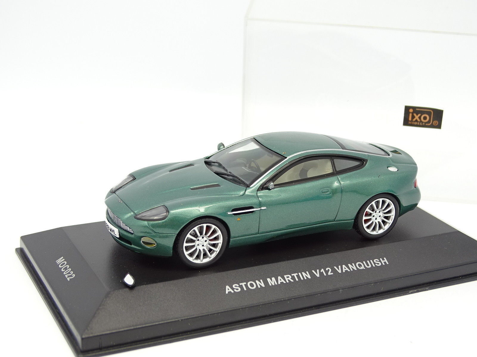 Ixo 1 43 - Aston Martin V12 Green Vanquish
