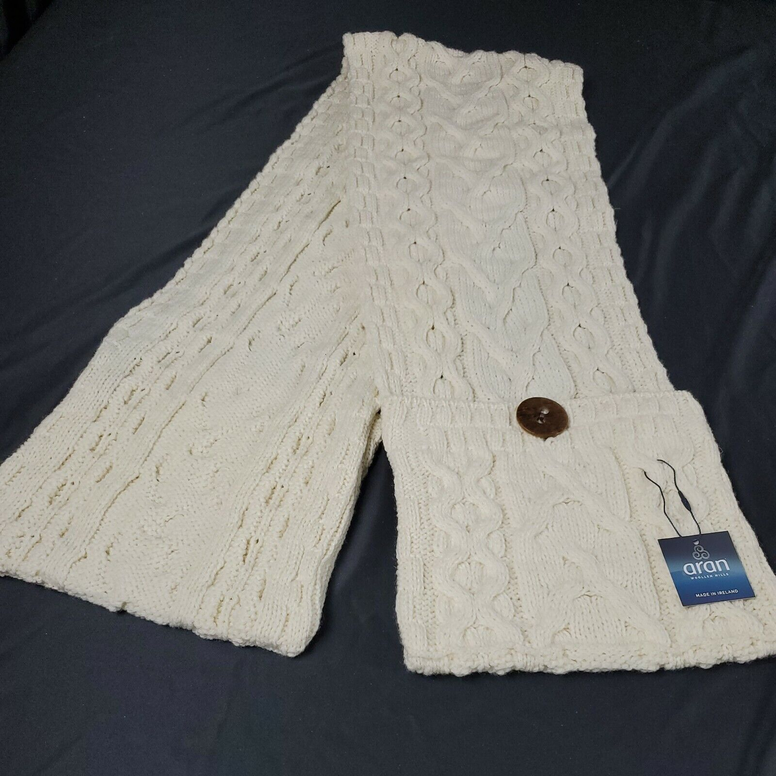 Aran Woolen Mills Ivory Cream Cable knit Scarf Button Pockets Irish Winter Wool