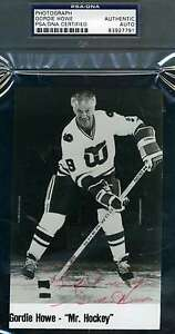 Gordie-Howe-Psa-dna-Hand-Signed-Team-Issue-Photo-Authentic-Autograph