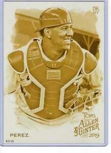 Salvador-Perez-2019-Allen-and-Ginter-5x7-Gold-110-10-Royals