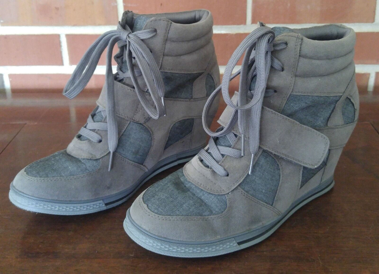 Bucco Capensis Womens Ankle Boot Grey Suede Size 9