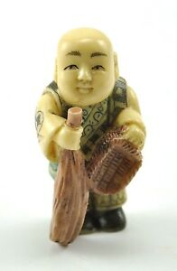 vintage chinese japanese kung fu shaolin cleaning bloom monk resin figurine ebay. Black Bedroom Furniture Sets. Home Design Ideas