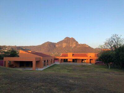 Casa en venta excelente vista al Tepozteco Pueblo de Tlayacapan Morelos