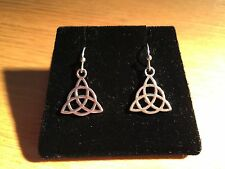 SILVER ALLOY UNIQUE 15mm   ( med ) CELTIC TRIANGULAR DANGLE EARRINGS