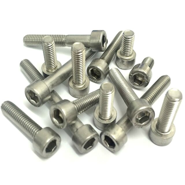 screws PACK OF 4 SMALL RUSTY IRON ARROWHEAD CORNER STRAPS 65 x 65 x 30mm