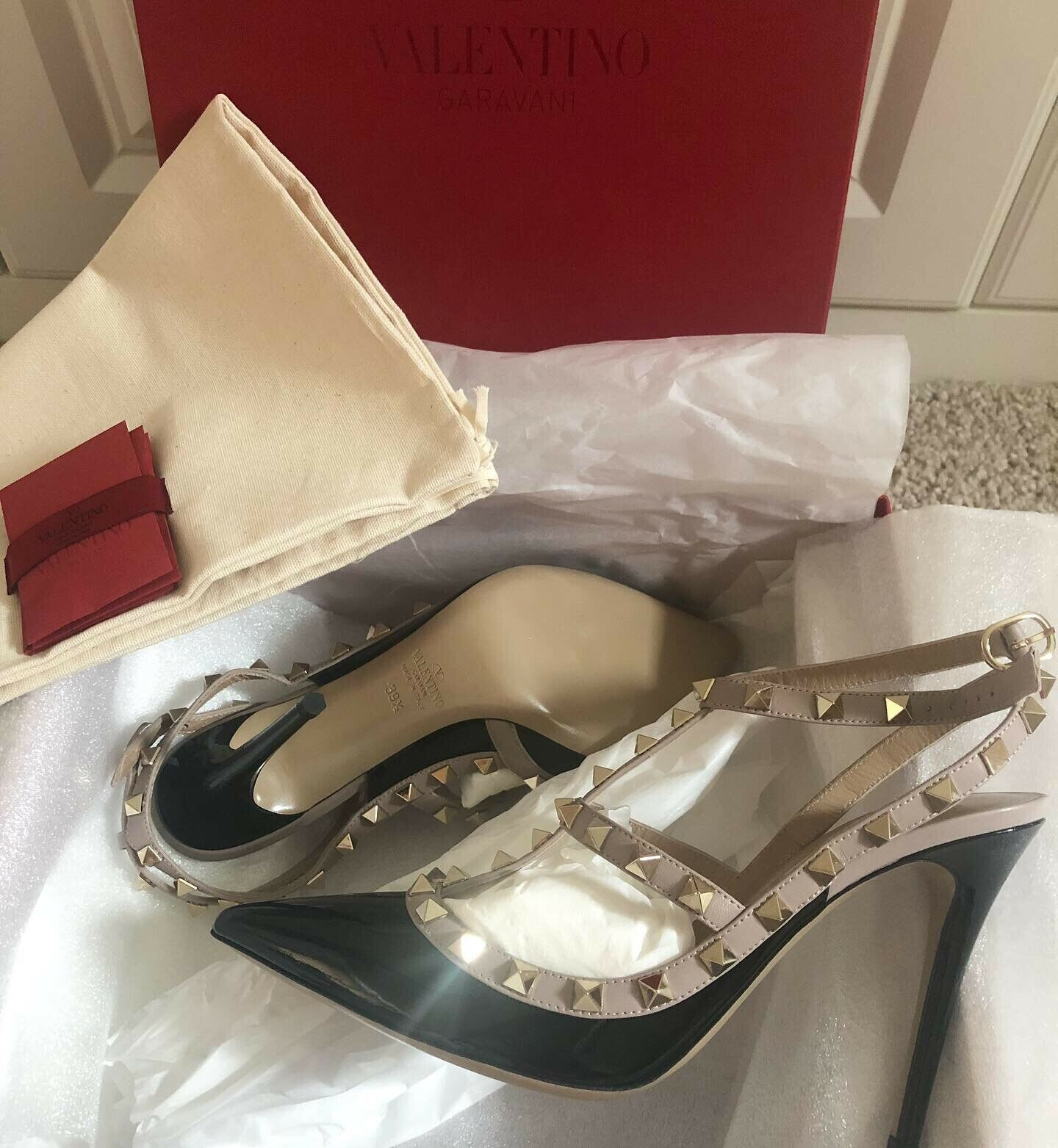 Valentino Rockstud 100 leather courts (Brand New In Box)
