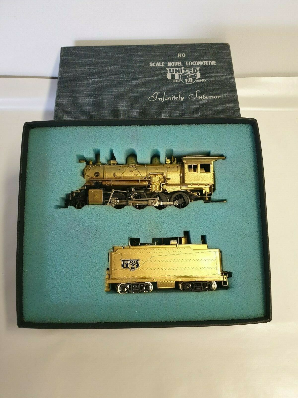 United Scale Models Santa Fe 2-8-0 Consolidation Locomotive & Tender HO Scale