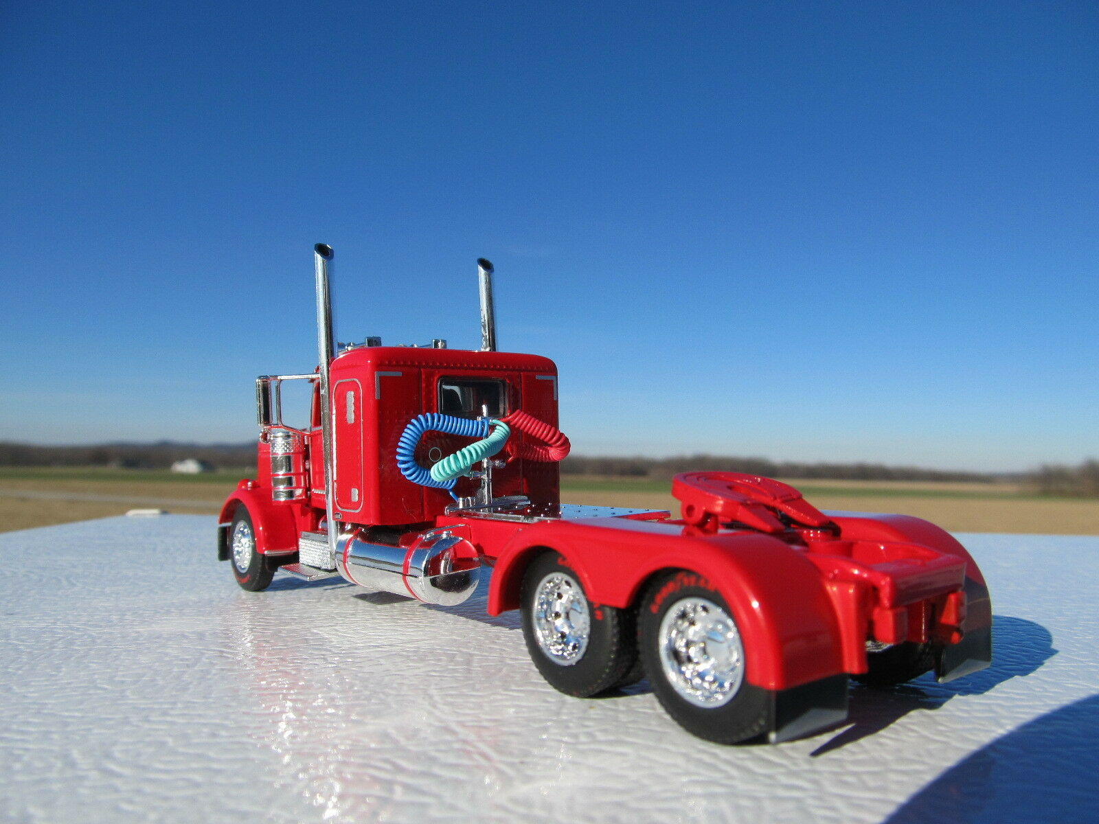 DCP 1 64 SCALE 389 PETERBILT SMALL BUNK RED RED RED LONG WHEEL BASE WTI FENDERS 1b2ca9