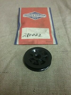 Genuine Briggs /& Stratton Rope Guide Pulley 280022 NEW Original Packaging