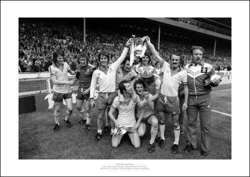 Southampton FC 1976 FA Cup Final Team Celebrations Photo Memorabilia (793)
