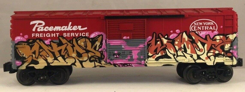 O Escala Lionel marcapasos coche de caja de sistema de Nueva York con arte Graffiti Personalizado