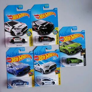 Set of 2 Hot Wheels 2017 HW Speed Graphics Ford Focus RS 8//10 White /& Black variations