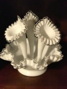 Vintage-Scarce-Fenton-Silver-Crest-4-Pc-Epergne-3-Horn-Large-Milk-Glass