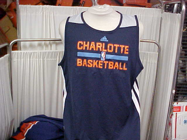 Official NBA Charlotte Bobcats Team Issued Adidas Reversible Practice Jersey XLT