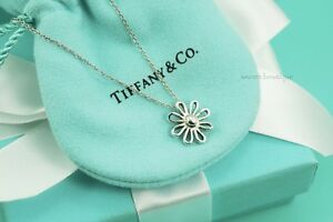 AUTHENTIC-Tiffany-amp-Co-Sterling-Silver-Daisy-Pendant-Necklace-16-034-1114