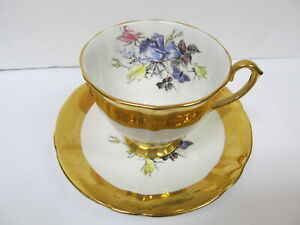 WINDSOR-ENGLAND-ROSES-GOLD-BAND-BONE-CHINA-UNUSED-CUP-amp-SAUCER-XLNT-COND