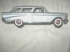 MINT1957 CHEVY BEL-AIR Road Signature Silver Nomad 1:18 SCALE DIECAST