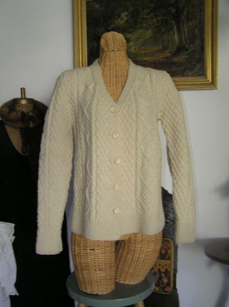 Gorgeous  Women's Scotland Hand Knit Cable Knit Cardigan Sweater MINT  S