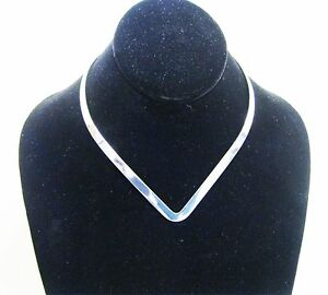 New-6mm-Shiny-Silver-V-Shaped-Neckwire-Choker-Collar-Necklace-Wire-CV3