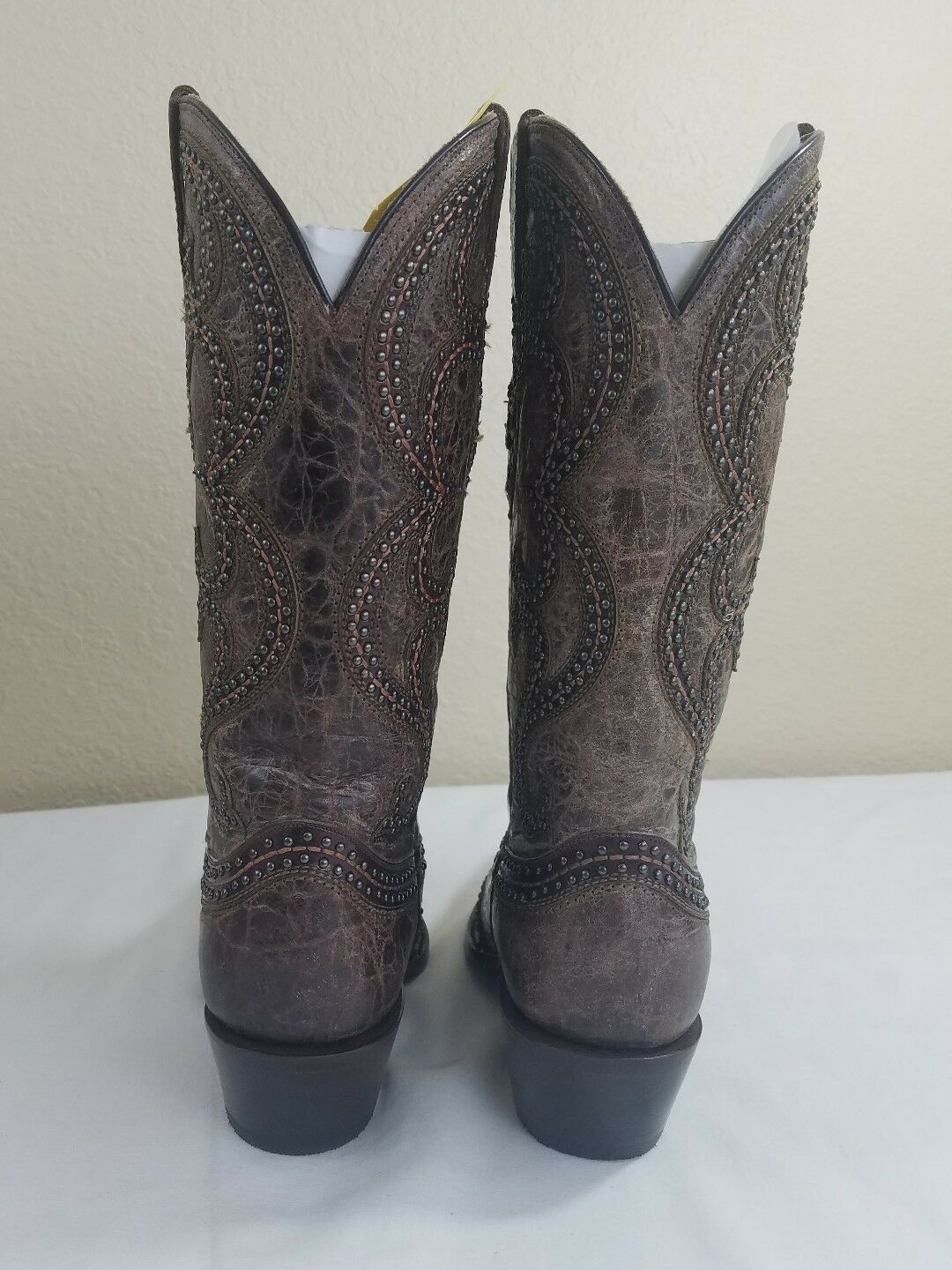 Women's Cowgirl Cowgirl Cowgirl Boots Distressed Studded Overlay Boot Brown 7 Snip Toe deb818