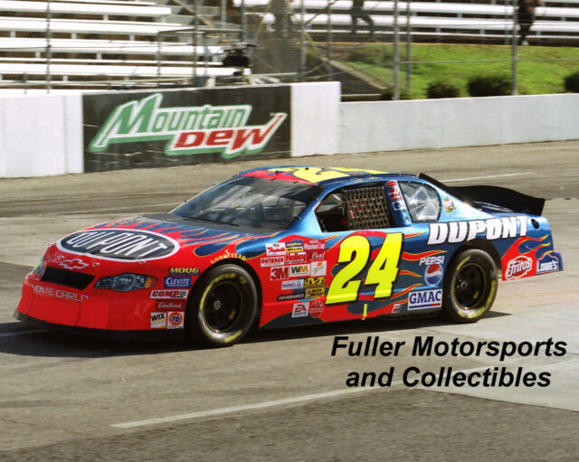 JEFF GORDON MARTINSVILLE #24 DUPONT CHEVY 2002 NASCAR WINSTON CUP 8X10 PHOTO