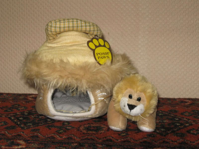 Posh Paws UK LION in Carrying Case Plush
