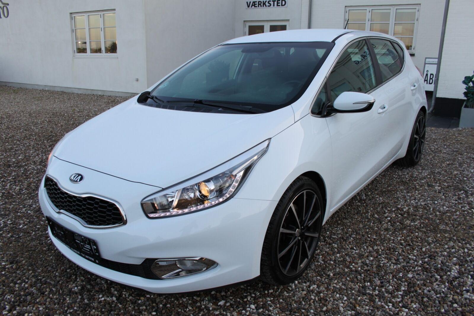 Kia Ceed 1,6 GDi Premium 5d - 113.500 kr.