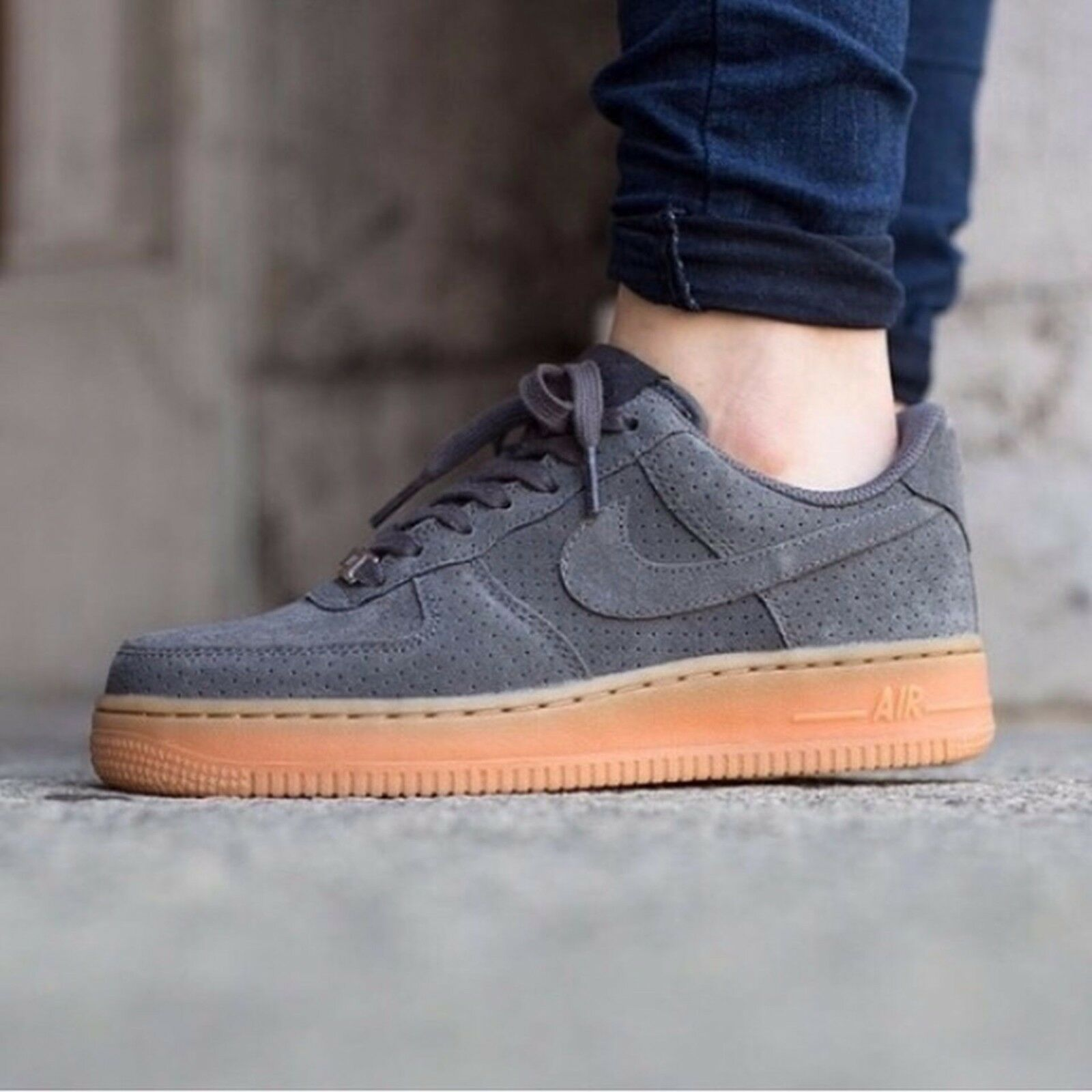Nike air force 1 07 pelle grigio scuro / gomma 749263-001 wmn sz 10