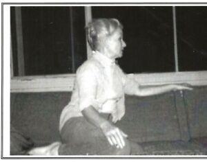 CAROLYN CASSADY AT HOME IN LOS GATOS CA  BEAT WRITERS PHOTO POSTCARD #45