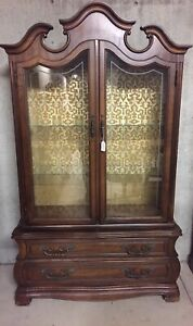 Manufacturing Co Vintage China Cabinet