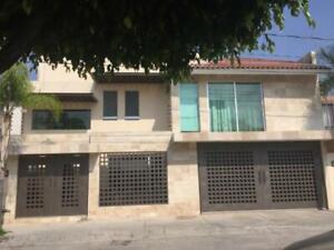 Casa en Venta en Villa de las Torres