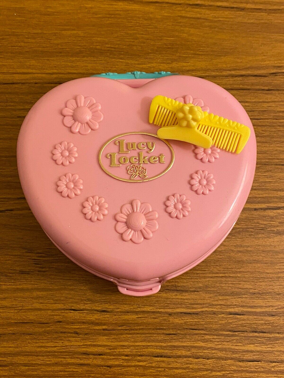 Vintage Lucy Locket ,Polly Pocket Hair Salon Mini Carry Case (rare)