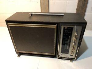 Vintage-Rare-Realistic-Arlington-AM-FM-portable-turntable