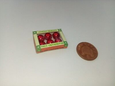 1//12 Scale Christmas Gold Baubles in Box for Dollshouse Miniature Display