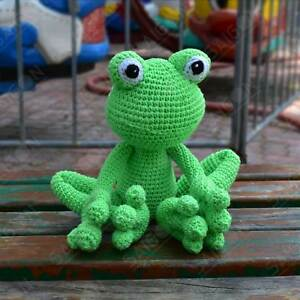 Tree Frog Amigurumi play toy doll pattern by Heidi DeAlessio - Ravelry | 300x300