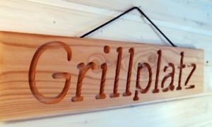 Grillplatz - Holzschild Dekoschild mit gefräster Gravur - Douglasie massiv - NEU