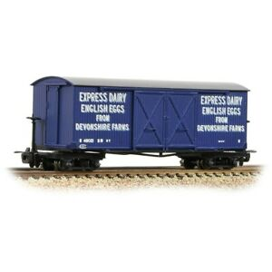 Bachmann-393-029-009-scale-Bogie-Covered-Goods-Wagon-039-Express-Dairy-Co-039