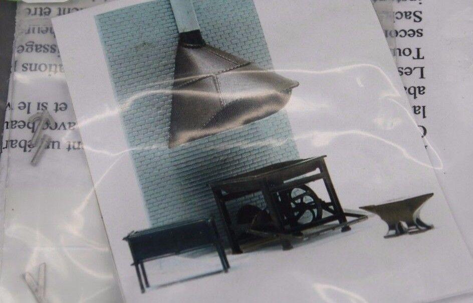 X669 Werkstatt Debelleyme Modell 1 43 7002 die Schmiede bluemenkübel Tauchbad